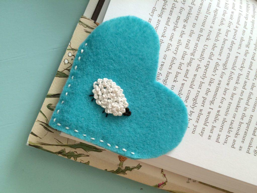 Angela Pingel wool bookmark tutorial